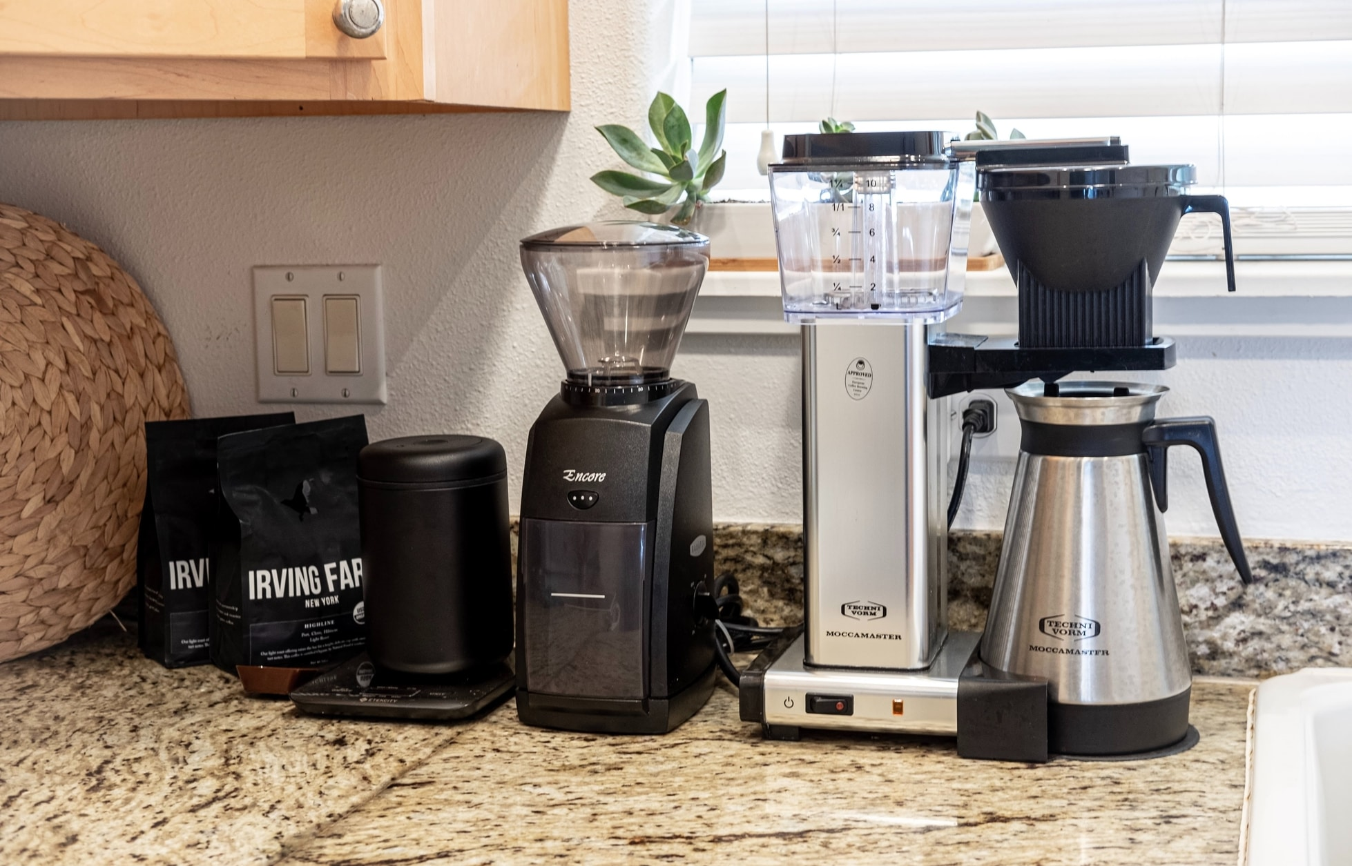 Top 5 Best Coffee Makers in 2021: Reviews & Buying Guide